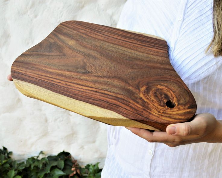 Wooden serving board natural shape ONE PIECE Old rare
