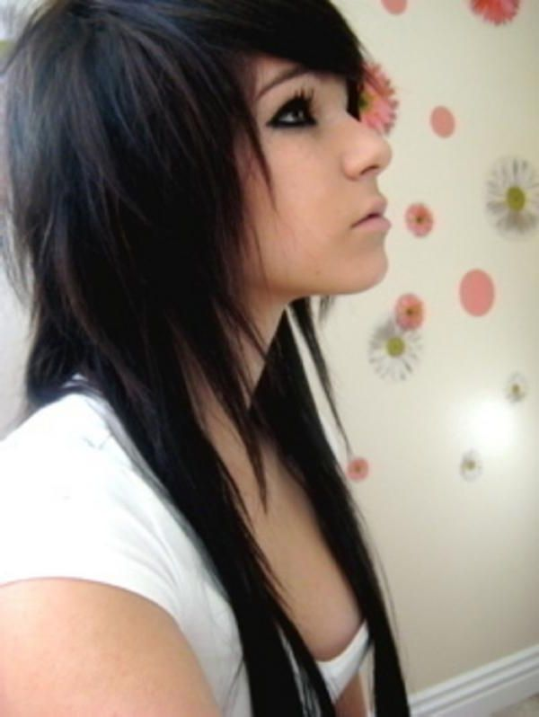 30 Groovy Emo Girl Hairstyles Slodive For Long Hair