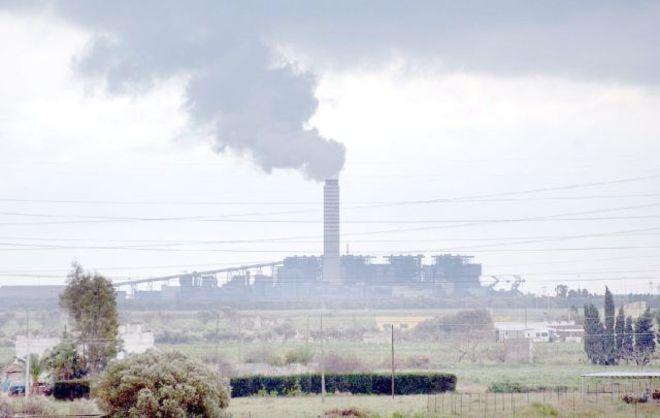 BRUXELLES - L'inquinamento dell'aria, provocato soprattutto dagli impianti a carbone, è costato fino a 189 miliardi di euro nel 2012, pari al Pil della Finlandia. Lo ha reso noto l'Agenzia europea ...
