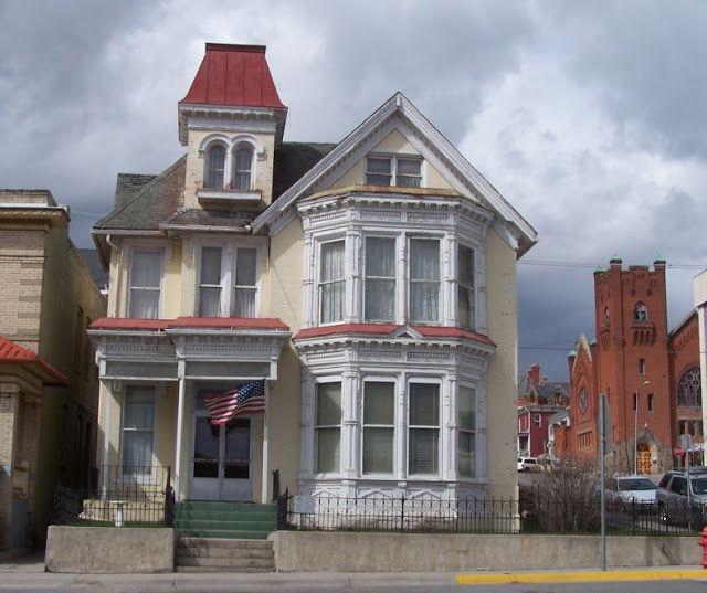 Butte-Anaconda National Historic Landmark District: 301 West Park (Thomas Lavell Residence)