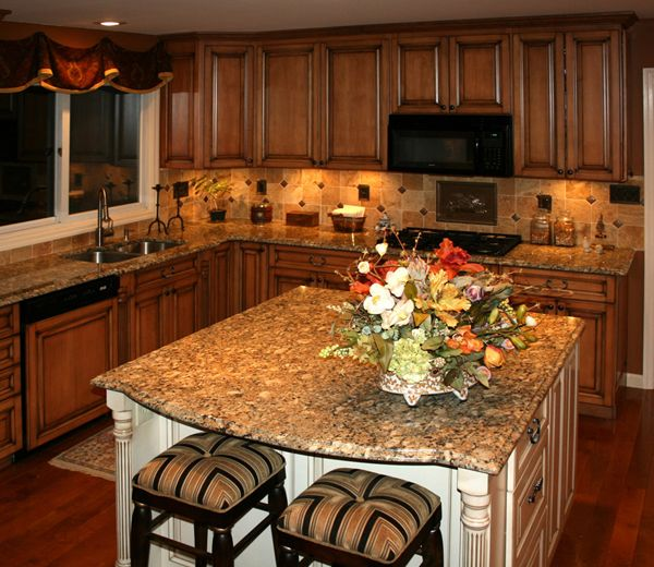Kitchen Paint Colors With Honey Maple Cabinets: 10 Best Ideas About Kitchen Counter On Pinterest