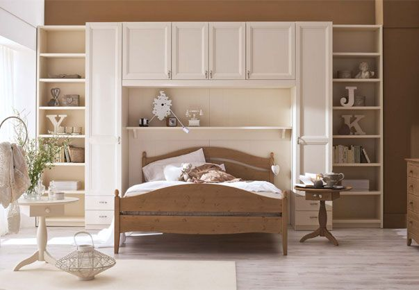 39 best camere da letto rustiche in abete complete images for Arredamenti rustici in pino