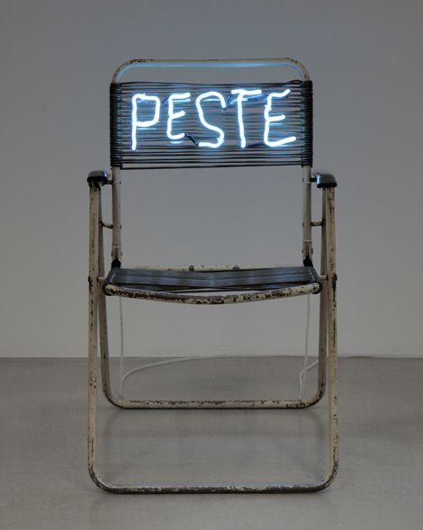Claude Lévêque, Peste, 2010, folding chair and white neon
