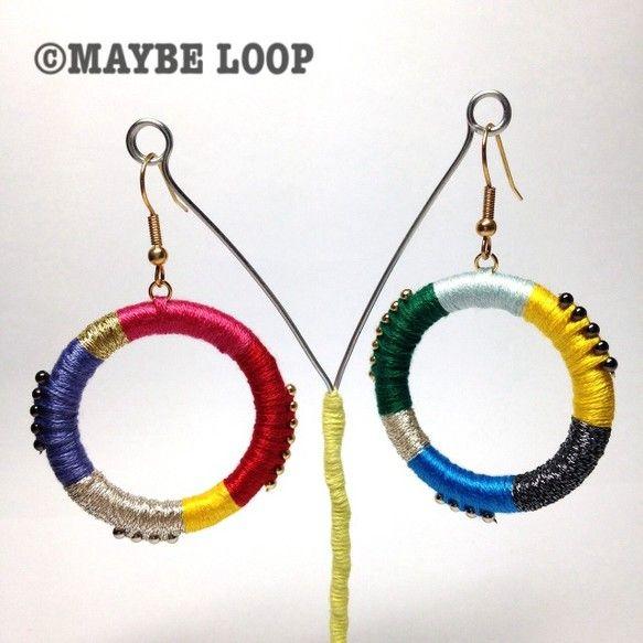 サイズ : 全長6㎝(フックの長さを含む)、リングの直径:4㎝素 材 : 刺繍糸、金属、プラスチックピンク、赤、紫、緑、青、黄色、ゴールド、シルバー、ブラック...|ハンドメイド、手作り、手仕事品の通販・販売・購入ならCreema。