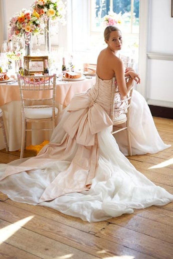 To bow or not to bow? Wedding Dresses that make a statement with the bow