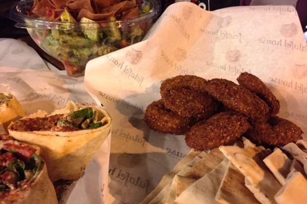 Αυθεντικό Χούμους και Φαλάφελ από το Falafel House