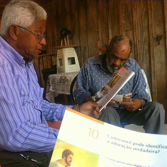 Having a bible study in Santa Terezinha de Itaipu, Paraná, Brazil