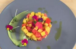 Tartare di mango e pomodoro, con salsa di avocado