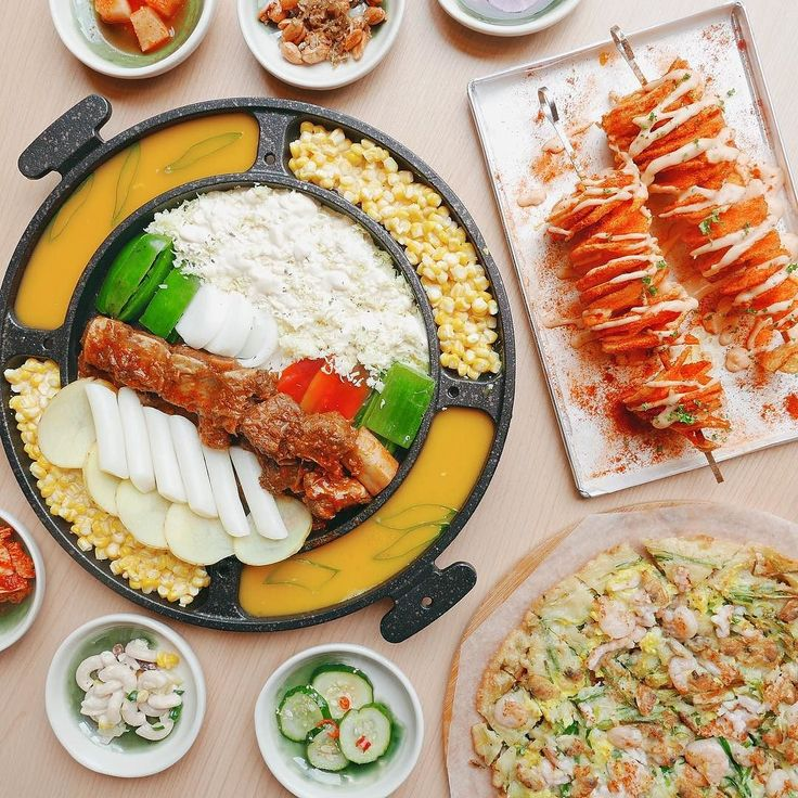 NEW RESTAURANT ALERT: Sibyullee - Ayala Malls the 30th  Enjoy modern Seoul BBQ and street food dishes like the Volcano Kimchi Fried Rice Galbi Cheese Barbecue Tornado Potato and more  CLICK LINK IN BIO to read more  Booky team # #bookymanila  View its exact location on our app!  Tag your friends who love Korean food