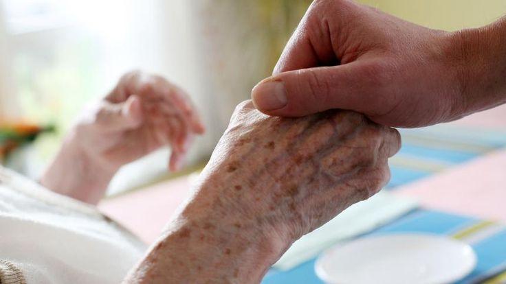 Pflege von Angehörigen: Was Arbeitnehmer beachten sollten - SPIEGEL ONLINE