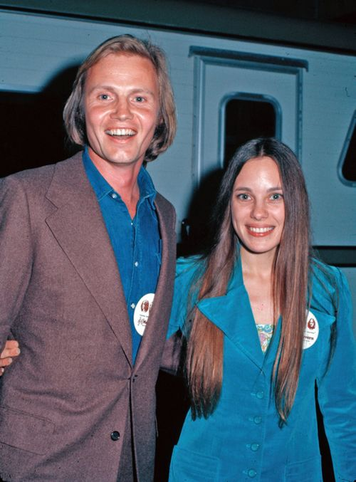 Jon Voight & Marcheline Bertrand/ Angelina Jolie's Mom and Dad