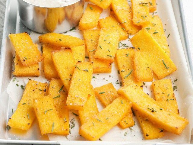 Crostini di polenta con salsa al gorgonzola : Scopri come preparare questa deliziosa ricetta. Facile, gustosa e adatta ad ogni occasione. Questo antipasto ha un tempo di preparazione di 45 minuti.