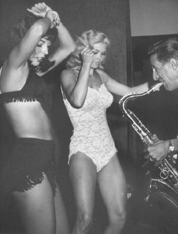 Candy barr and black kiss
