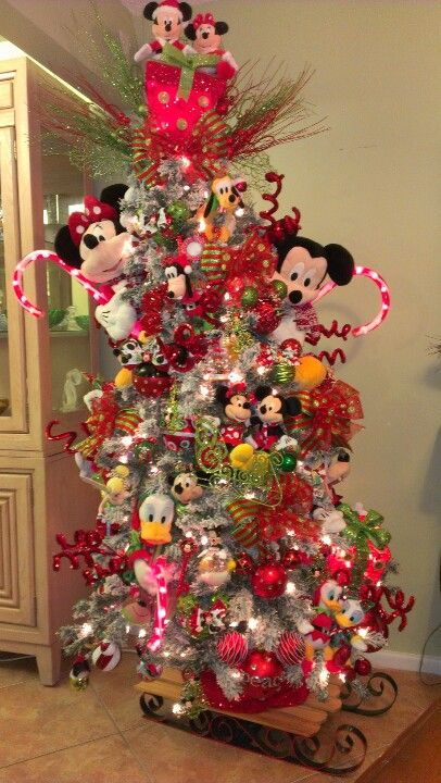 Best 25+ Mickey mouse christmas tree ideas on Pinterest | Mickey ...