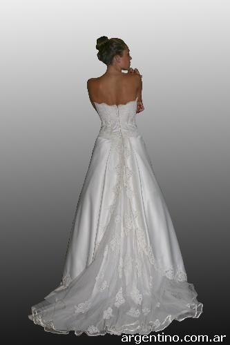 808249-vestidos-de-novias-madrinas-15-anos-fiestas-alta-costura-20131219094705462.jpg (JPEG Imagen, 333×500 pixeles)