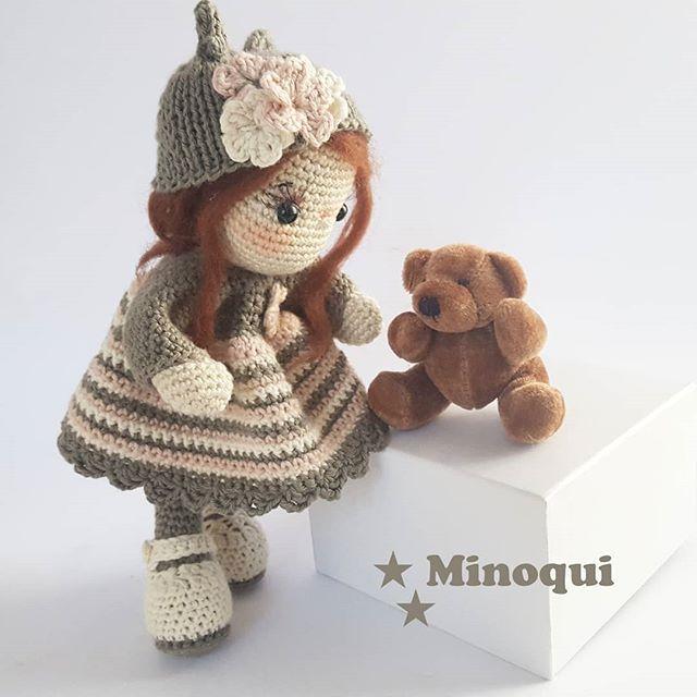 ¡¡¡Vaya..si eres Teddy!!! Me alegra verte por aquí ❤ . . . . . . . . . . #minoqui #drops #yarn #crochet #ganchillo #amigurumi #doll #katia #artdolls #handmade #toy #madeinspain #hechoamano #häkeln #designer #creative #photo #baby #lovely #exclusive #original #collecting #xmas #artist #photooftheday #amigurumidoll #crochetadicct #örgü #Cádiz #dollmaker @lastijerasmagicas