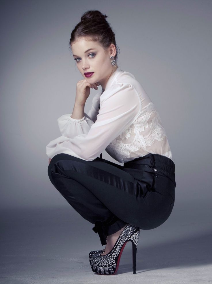 Jane Levy Squat In Tuxedo Pants And Towering High Heels