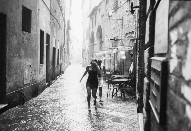#rain #footwear #running #leica #street #photography #nude #wet #siena #rpx #100 #film #filmisnotdead