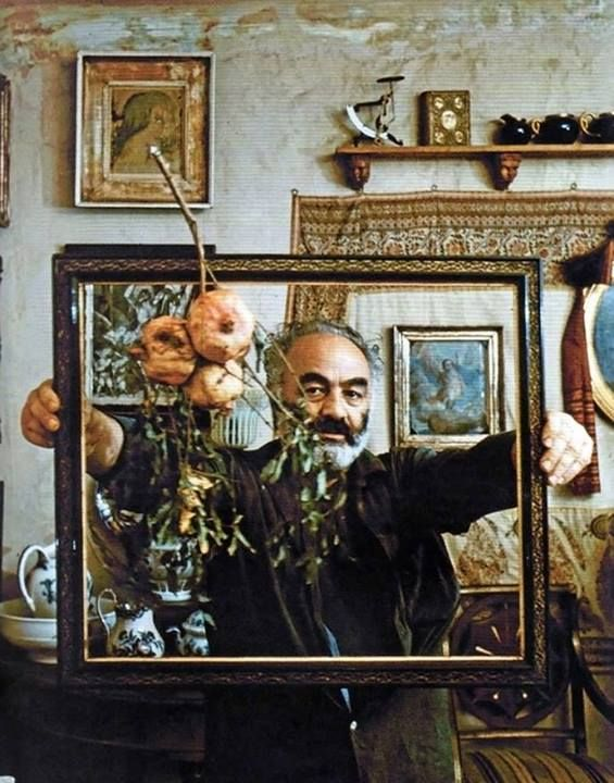 საშინელებაა, იყო ყველაზე მდიდარი სასაფლაოზე. სერგო ფარაჯანოვი From Mirror & Pomegranate, Sergei Parajanov