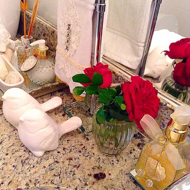 Cantinhos que amamos... detalhes no meu banheiro social | Blog da Michelle Mayrink