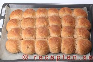 Färdiggräddat fiberrikt brytbröd