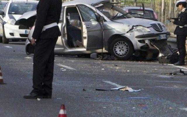 Omicidio stradale da oggi è reato! Oggi in Gazzetta Ufficiale è stato pubblicato il testo della Legge sull'omicidio stradale. Il testo di legge può essere scaricato sul sito www.easyius.it. Inoltre non perderti il commento su come la  #omicidiostradale
