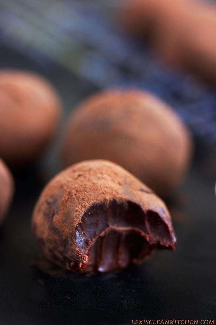 Chocolate Truffles (Dark chocolate, cream, espresso powder, maple syrup salt and cocoa.)