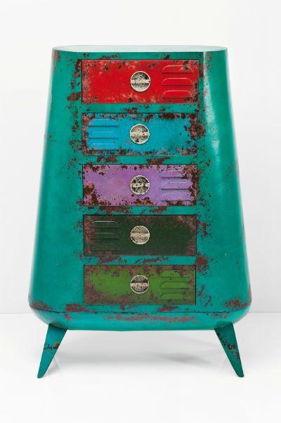 Συρταριέρα Casilla (5 Συρτάρια) Το vintage και το μοντέρνο design συναντιούνται σε μια εντυπωσιακή συρταριέρα! Τα έντονα χρώματα σε συνδυασμό με την τεχνοτροπία της παλαίωσης και τις μεταλλικές λαβές θα δώσουν άλλη νότα στο χώρο σας! Διατίθεται και σε άλλα μεγέθη. Υλικά: κατασκευασμένη από λακαριστό MDF.