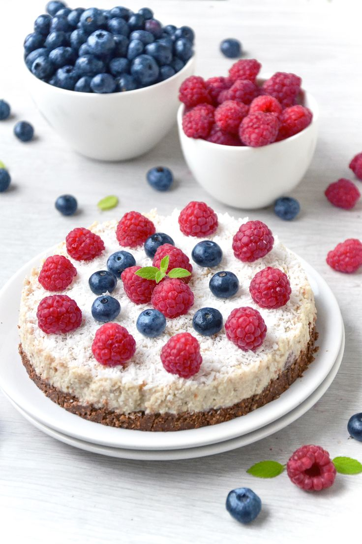 LETNIE CIASTKO JAGLANO-ORKISZOWE  http://sokzycia.pl/letnie-ciastko-jaglano-orkiszowe/  #ciasto #jaglane #orkisz #platki #ricemilk #summer #taste #blackberry #raspberry #chocolate #coconut #nuts #vegetarian #vegetarianfood #vegefood #vege #vegetarianlife #vegan #foodporn #sokzycia #aftergym #diy