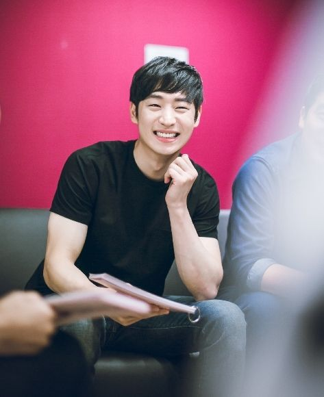 Misaeng PD's Next Drama Signal Signs on Lee Je Hoon and Jo Jin Woong as the Male Leads | A Koala's Playground