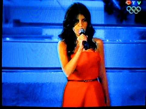 Nikki Yanofsky - Singing Oh Canada - 2010 Vancouver Olympics Opening Cer...