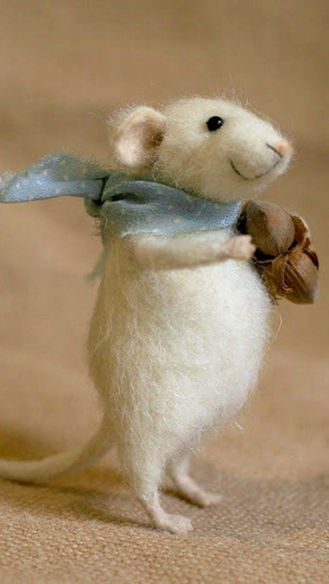 Hand felted mouse