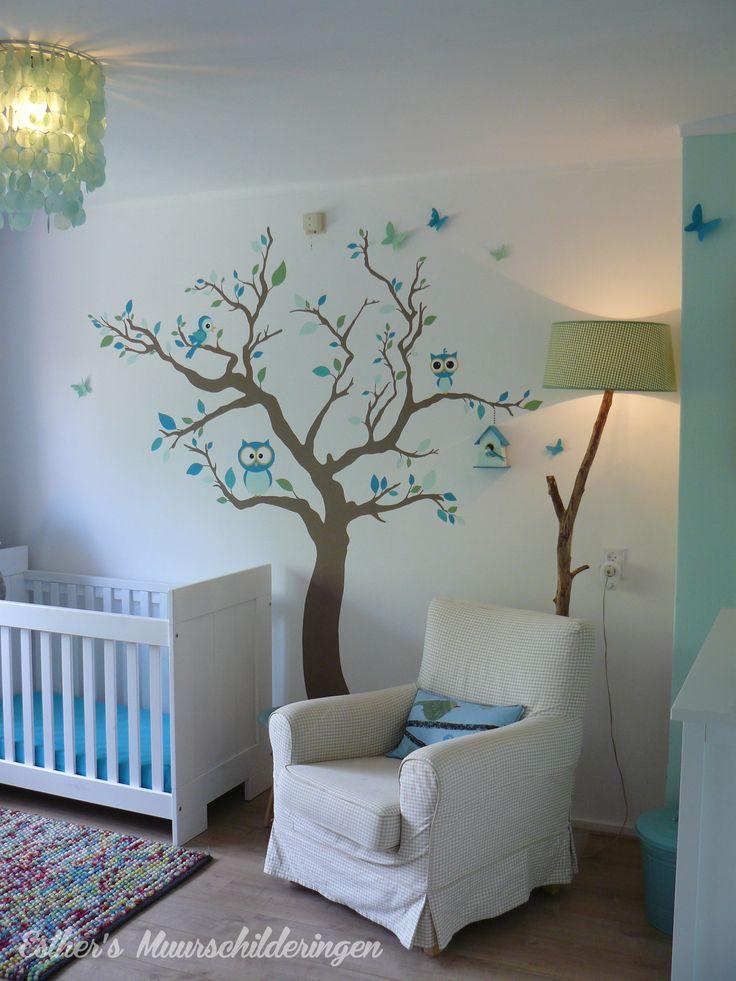 Muurschildering boom voor de babykamer of kinderkamer. Voorzien van 3D vlinders. Bekijk ook mijn Facebookpagina:  https://www.facebook.com/esthersmuurschilderingen/