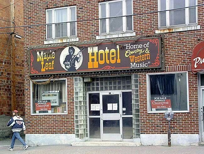 Maple Leaf Hotel in 2004