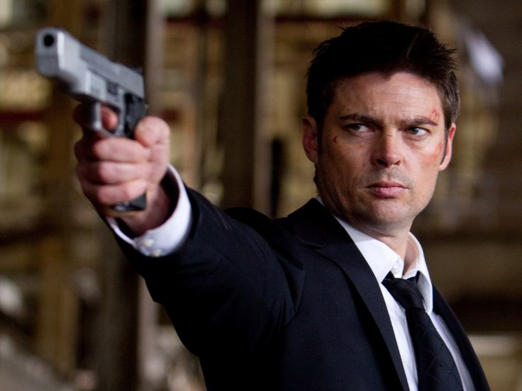Karl Urban is a New Zealand actor who has appeared in such films as The Bourne Supremacy, Doom, Red and recently as the title character in Dredd. Description from thefemalecelebrity.com. I searched for this on bing.com/images