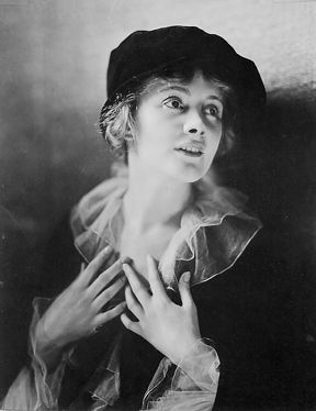 """Jeanne EAGELS (1890-1929) * AFI Top Actress nominee > Active 1913-29 > Born Eugenia Eagles 26 Jun 1890 Missouri > Died 3 Oct 1929 (aged 39) New York, drug overdose > Spouses: Morris Dubinsky (m.?; div.?) Edward Harris """"Ted"""" Coy (1925-28 div) > Children 1 (a son who either died or who was given up for adoption after she and Dubinsky separated). Notable films ~ The Professor's Love Story (1917); The Letter (1929)"""