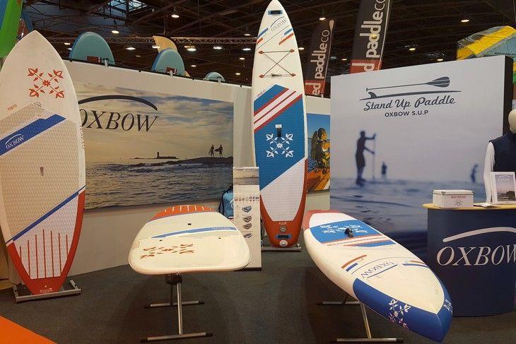 Deux géants de la glisse s'associent : Oxbow designe les paddles Bic