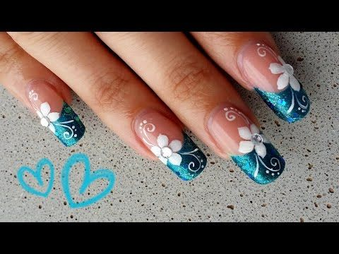 Uñas flor sencilla azul y blanco - Easy blue and white flower nail art - YouTube