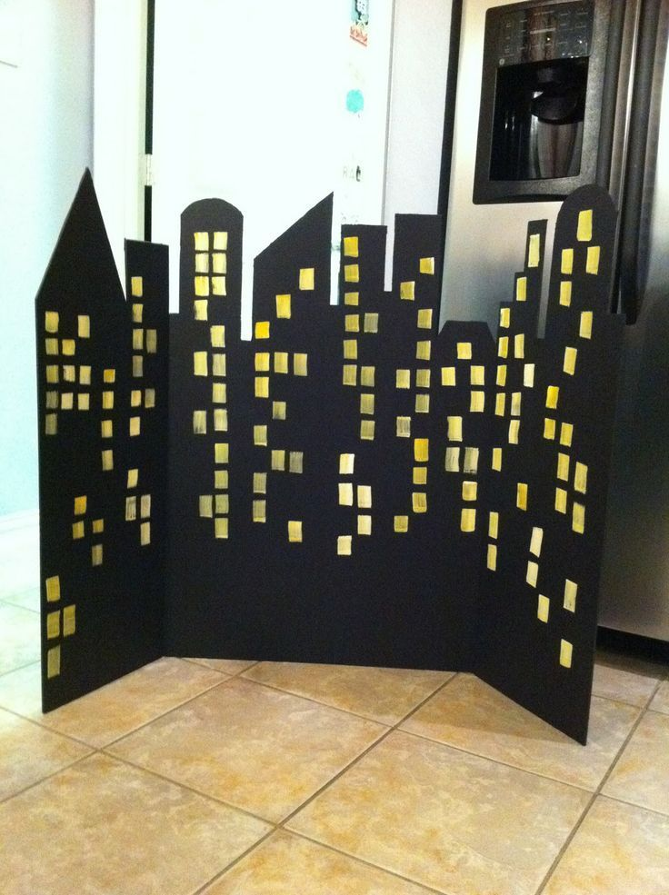 Easy-to-Make Superhero City Skyline Backdrop | Great for a superhero themed birthday party!