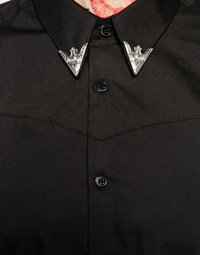 pointed collar tips