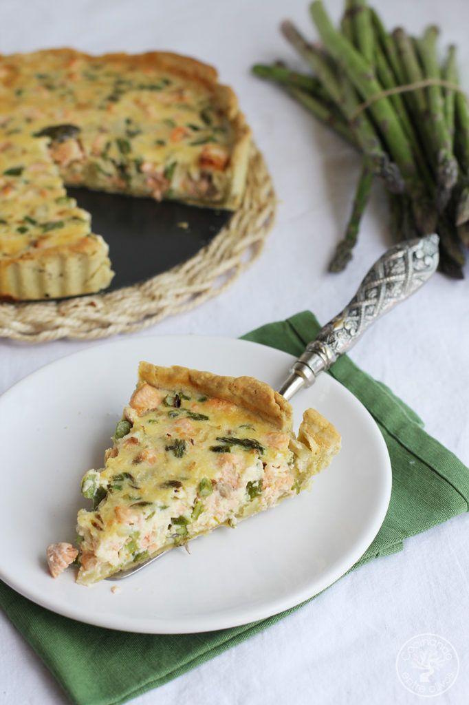 Tarta de espárragos verdes con salmón, con masa quebrada de aceite de oliva virgen extra, receta paso a paso