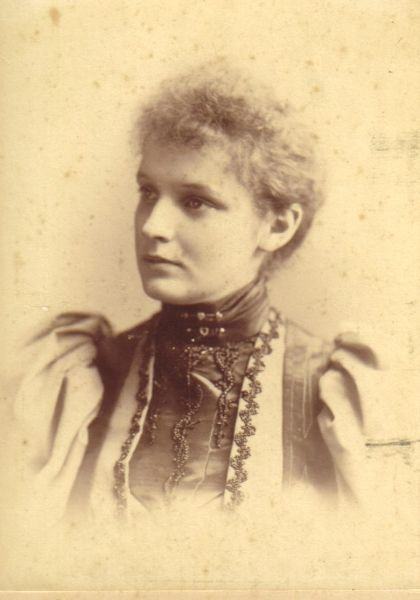 Henrietta Nellie Tait, wife of W.M. Bisset and mother of Isla and Gwen.