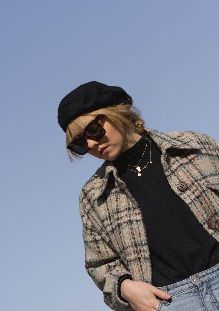 Outfit: Béret - The Limits of Control  Baskenmütze &otherstories Jacke Karrierte Jacke Coat Céline Sonnenbrille Sunglasses Monki Momjeans