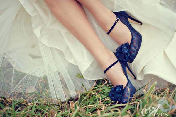 Blu come tema del matrimonio  Alessandro Tosetti www.tosettisposa.it Www.alessandrotosetti.com #abitidasposa #wedding #weddingdress #tosetti #tosettisposa #nozze #bride #alessandrotosetti