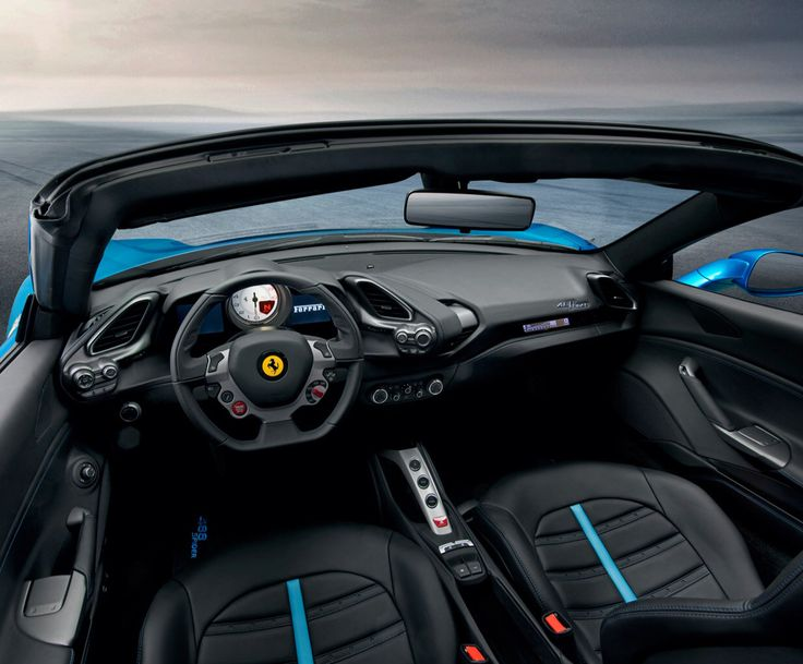 Ferrari 488 Spider: gli interni