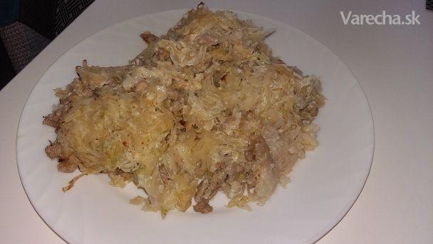 Koložvárska kapusta je jedno z našich najobľúbenejších jedál. Každý má svoje  vychytávky pri tomto jedle a toto je  moja verzia.