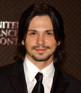 Freddy Rodriguez Hairstyle, Makeup, Suits, Shoes and Perfumes