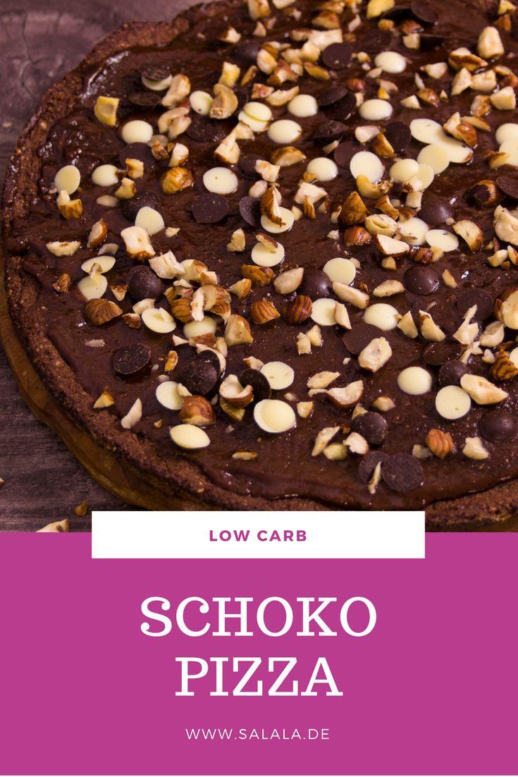 Wir waren ja schon ziemlich geschockt, als die Nachricht über die Schokopizza von Dr. Oetker die Runde durchs Netz gemacht hat. Und gleich drauf war trotzdem der Entschluss klar: umbauen. Auch wenn die Idee an sich schon ziemlich pervers klingt. Ich meine, du kannst dir vorstellen, wie das Ding von Dr. Oetker ungefähr schmecken wird. Pizzaboden, vermutlich mit weniger Salz und hoffentlich auch ohne Oregano. Nutella statt Pizzasoße und weiße Schokolade und Milchschokolade als Topping? Mir…