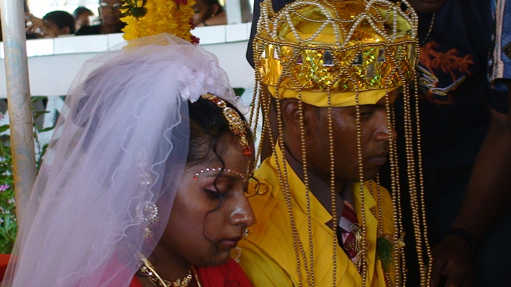Traditional Hidoestan wedding Paramaribo of employee Ashwin