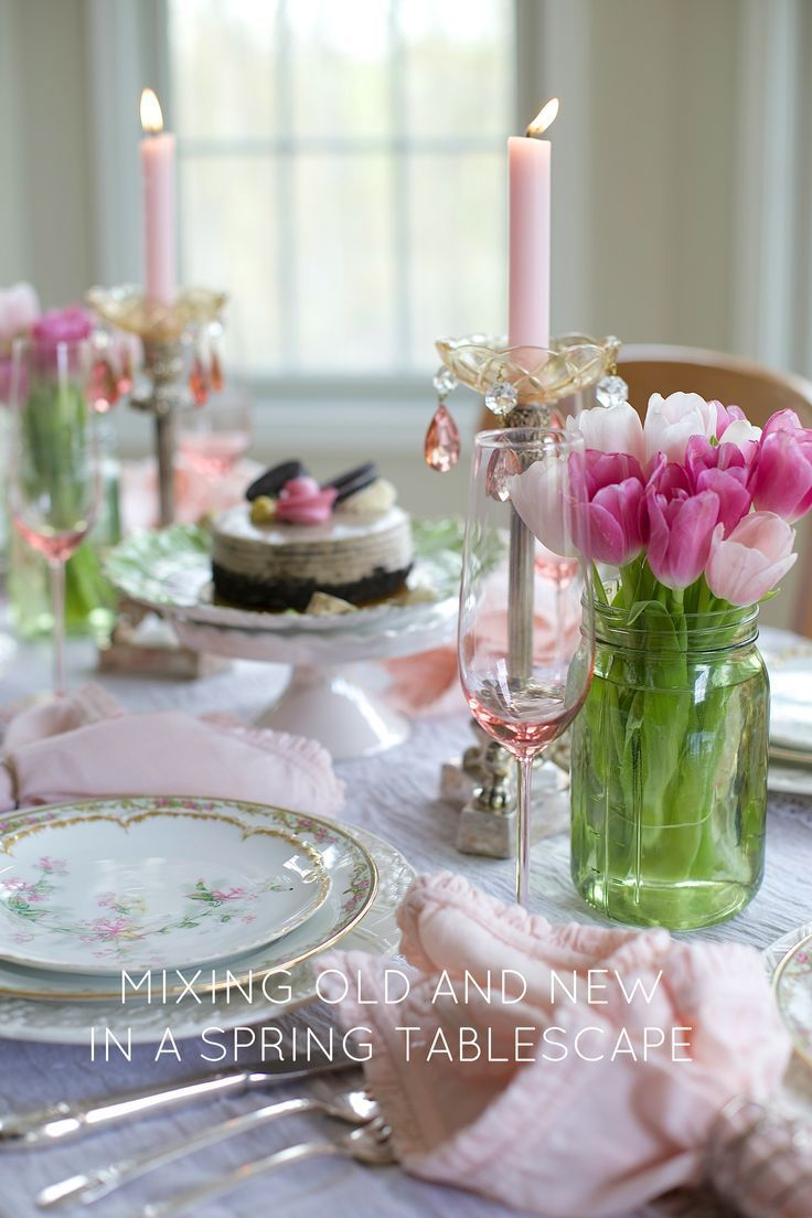 Pretty Spring Tablescape | How to mix vintage with new pieces while breaking all the table setting rules | Designthusiasm.com